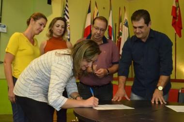 ADR Criciúma entrega ordem de serviço para reformas