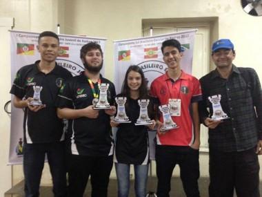 Equipe de xadrez de Içara conquista títulos em Ivoti/RS