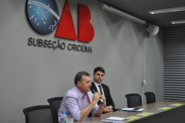 Candidatos expõe planos de governo na OAB