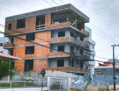 Liminar paralisa construção e comercialização de prédio irregular