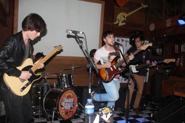 Grande final do Garage Band no Didge Steakhouse Pub