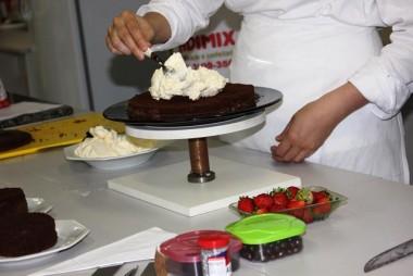 Chef de confeitaria da Áurea Alimentos ministrará workshop no Unibave