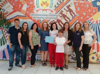 Escola içarense é reconhecida em olimpíada