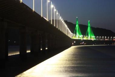 Motoristas devem evitar paradas na Ponte Anita Garibaldi