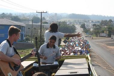 Caminhada encerra mês de oração pelas vocações na Diocese de Criciúma