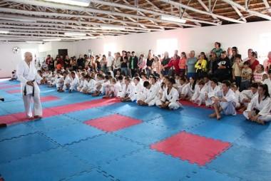 FME Içara realiza exame de graduação de faixa para caratecas