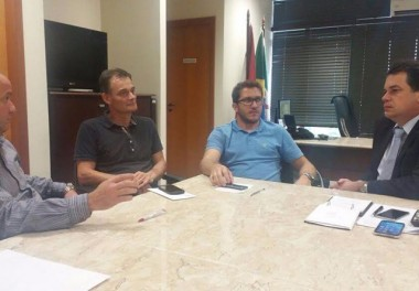 Minotto busca viabilizar ambulância nova para Urussanga
