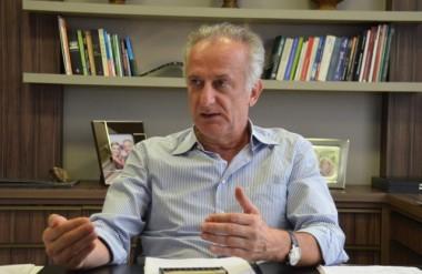 Presidente do Sinduscon participa de Simpósio