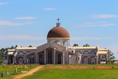 Peregrinação antecede inauguração de santuários