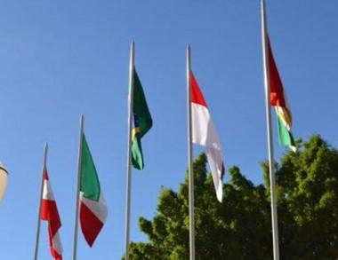 Pavilhão das bandeiras de Cocal integra símbolos da Polônia e Itália