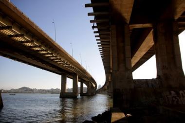 Deinfra abre envelopes da licitação de supervisão das pontes Pedro Ivo e Colombo Salles