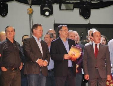 Colombo e Maggi participam da abertura da Festa da Cebola