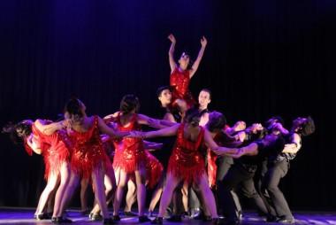 Dia Internacional da Dança encanta público pela diversidade cultural