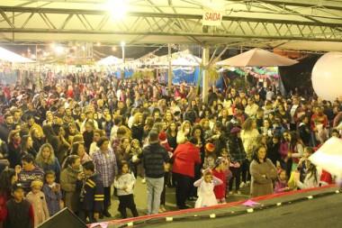 Julifest teve participação das escolas do município e shows regionais