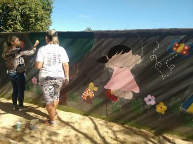 Escola Demétrio Bettiol realiza mutirão de revitalização