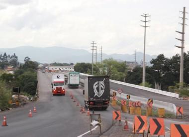 Trabalhos sobre ponte da BR-101 continuarão quinta e sexta-feira