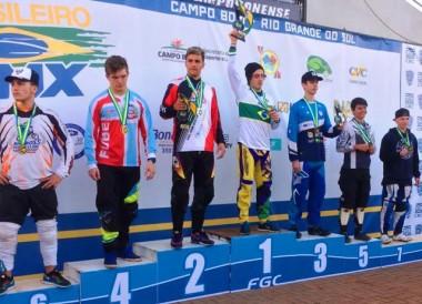 """Ciclismo içarense conquista título brasileiro de bicicross"""
