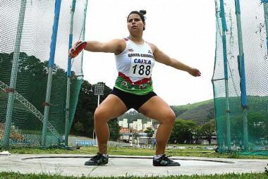 Atleta de Criciúma é campeã brasileira de atletismo