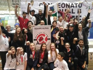 Equipe de Urussanga garante segundo lugar no Karatê