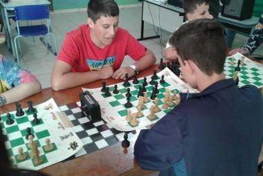 Sábado de diversão durante a II etapa do Circuito de Xadrez