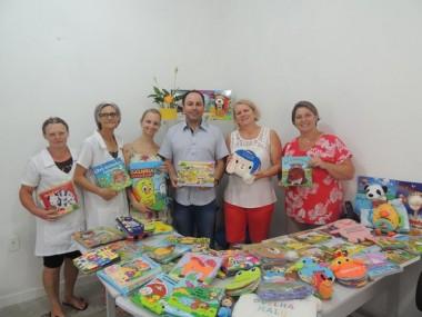 Alunos de Treviso recebem novos materiais didáticos