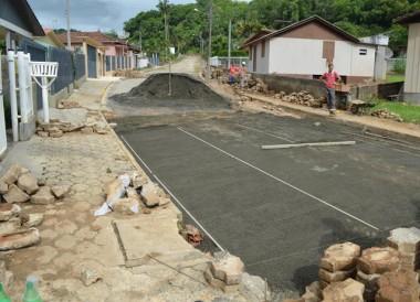 Siderópolis refaz pavimentação de ruas danificadas