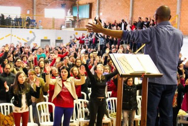 Cenáculo de Pentecostes tem mudança de local