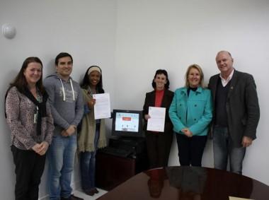 Escolas de Criciúma recebem doação de computadores da Unesc
