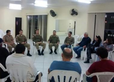 Polícia Militar se reúne com moradores para criação do Conseg