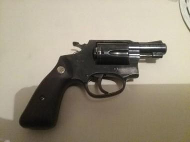 PM de Araranguá prende homem por porte ilegal de arma