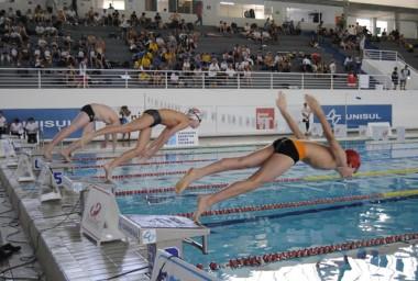 Nadadores da categoria Master disputarão Brasileiro na Unisul