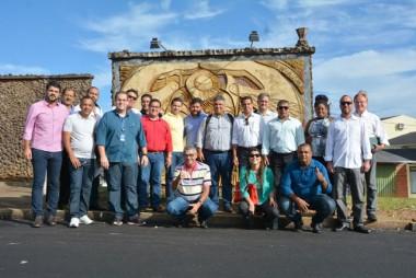 Prefeitos da Bahia conhecem experiências de sucesso