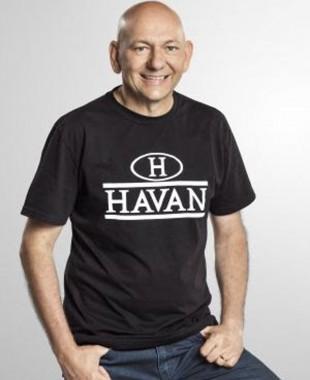 Hang estreita comunicação com fãs da Havan por meio das redes sociais