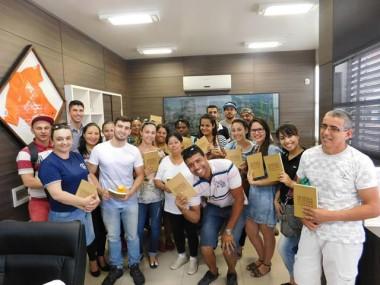 Estudantes do Ceja visitam a Câmara de Vereadores