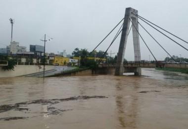 Permanece chuva em SC e Defesa Civil alerta para riscos