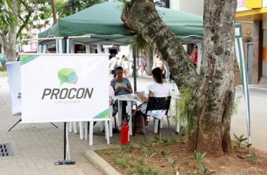 Procon orienta comunidade na Praça Nereu Remos