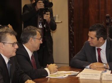 Governador defende liberação da ponte sobre o Rio Peperi-Guaçu