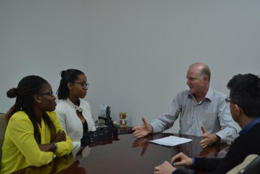 Unesc recebe novos alunos estrangeiros na noite de quinta