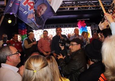 Eduardo Moreira acompanha lançamento da campanha