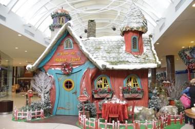 Encanto e neve na cenografia de Natal do Farol Shopping