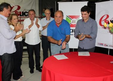 Prefeitura e Esucri assinam convênio para bolsas de estudo
