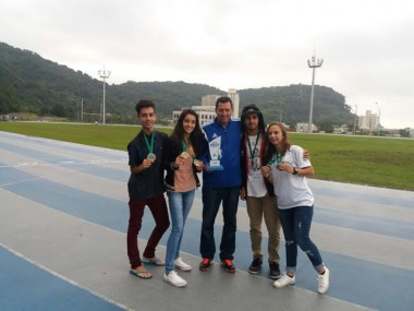 Nova Veneza fatura 6 medalhas no Estadual Sub-18 de Atletismo