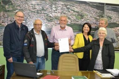 Magagnin assina escritura da III Área Industrial de Cocal