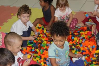 Projeto Brinquedo Educativo realiza novas doações em escolas