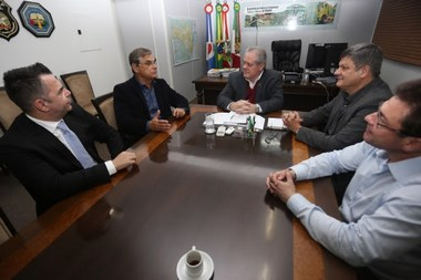 Governador em exercício anuncia serviço aeropolicial para a Região Sul do Estado