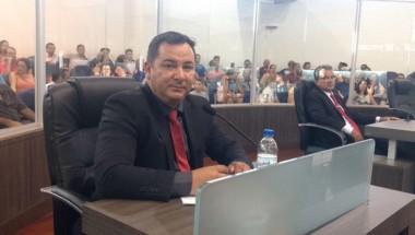 Jair Anastácio é empossado como vereador em Araranguá