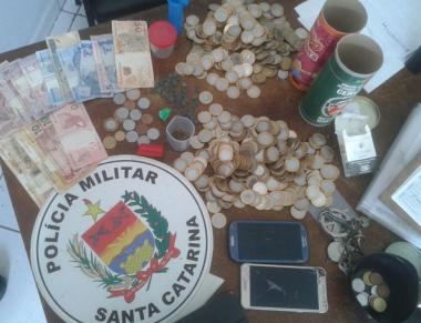 Polícia Militar apreende 40 comprimidos de ecstasy