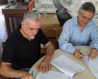 FCC assina transferência da Coletânea Garibaldina para Udesc