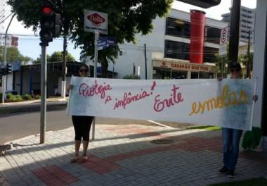 """Campanha """"Não dê Esmola"""" quer proteger o futuro das crianças"""