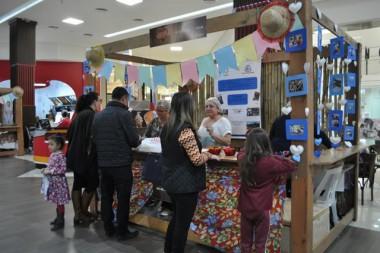 Arraial solidário no Criciúma Shopping arrecada quase R$ 10 mil